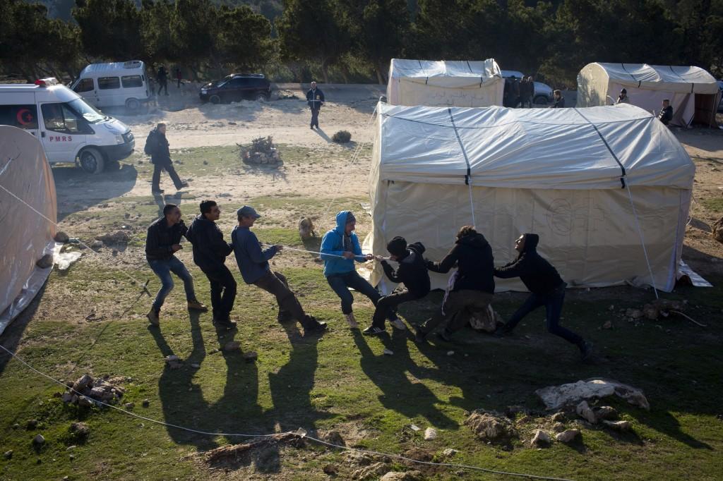 """Le camp palestinien Bab al-Shams (La porte du soleil), établi par les Comités populaires dans la zone """"E1"""", en Cisjordanie, le 11 janvier 2013. Le camp se compose de 25 tentes."""