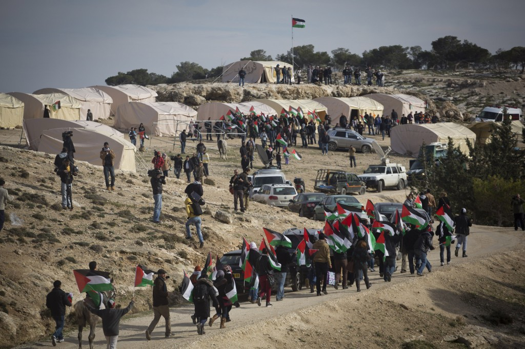 Arrivée au camp Bab al-Shams.